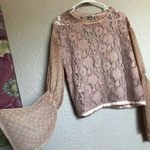 BKE GIMMICKS cropped bell sleeve mauve top